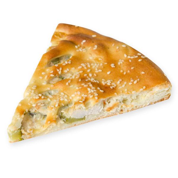 Пирог с курицей и маринованным огурцом - заказ и доставка в Омске